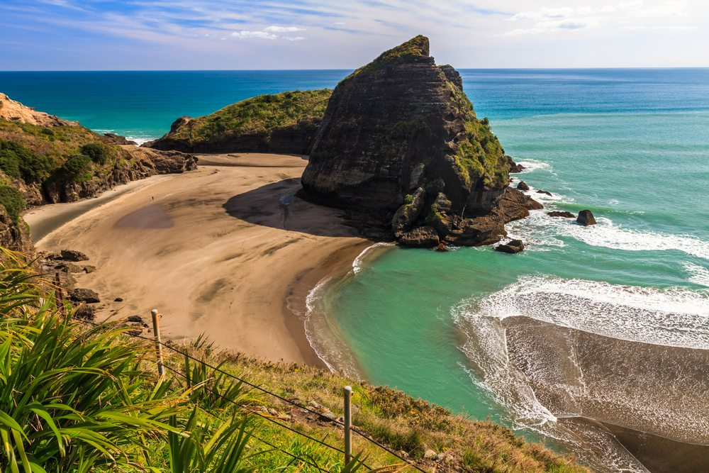 What to do in Auckland and Things to do at Piha Beach